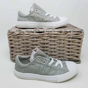 NWOB Converse All Star CT Girls Maddie Sneakers 1
